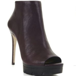 BCBGMAXAZRIA shoe boots